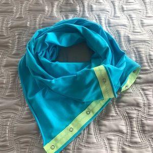 Ivviva scarf, like new
